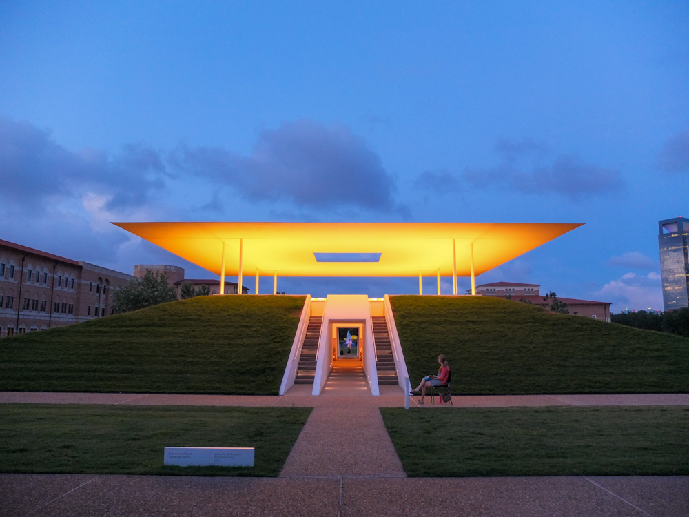 james Turrell's Twilight Epiphany Skyspace