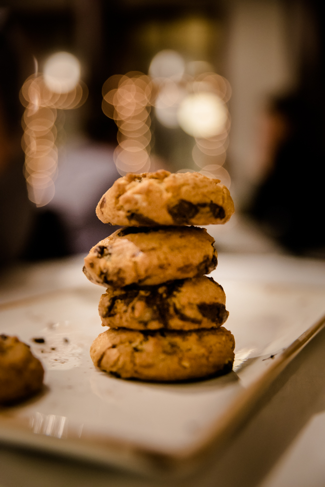ko•an's amazing chocolate chip macadamia cookies